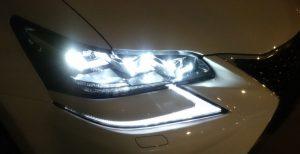 三眼LEDヘッドライト(点灯)